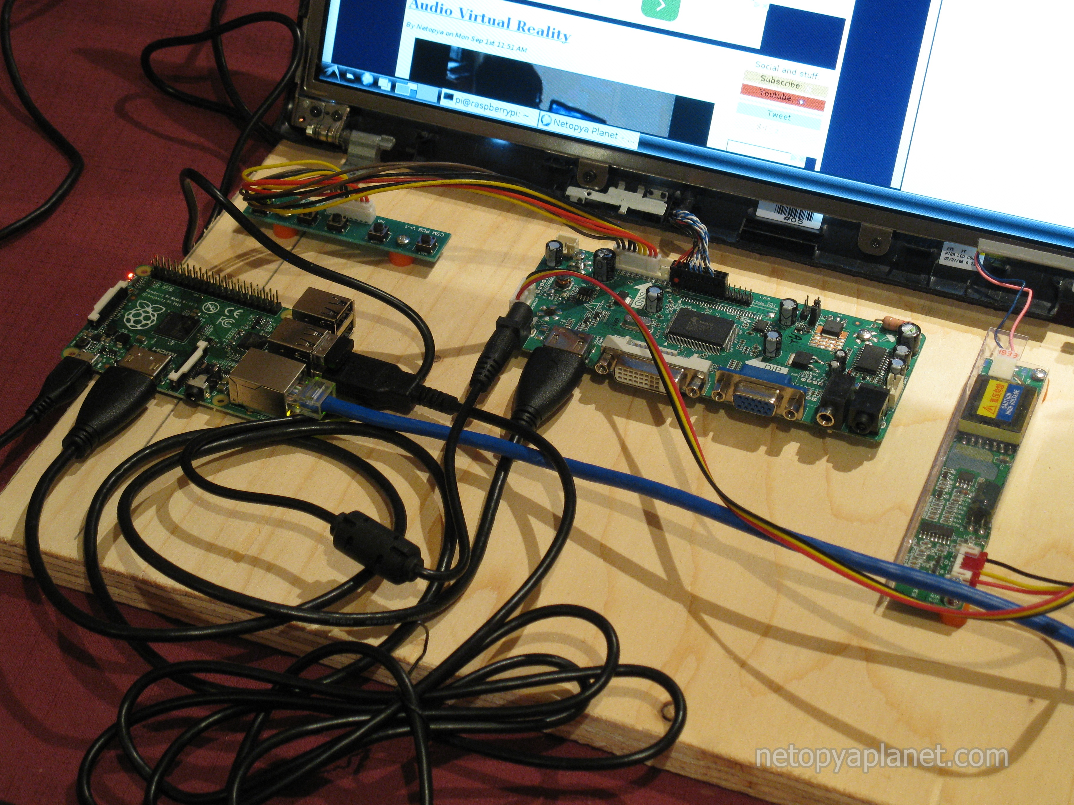 Netopya Planet Recycling A Laptop Lcd Screen Into Raspberry Pi Recycled Circuit Board Small Notebook Boards Closeup View Of The Controller With